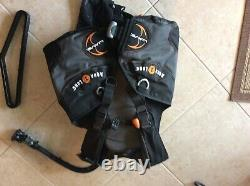 Aqualung Wave BCD with Air Source size is Medium