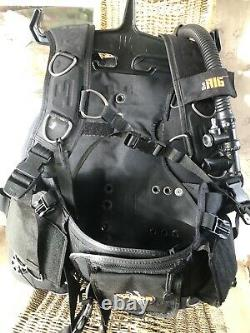 Dacor THE RIG SCUBA Dive BCD, Size Medium BC, Weight Integrated
