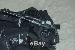 SCUBAPro KnightHawk BCD (XL) with Air 2 Regulator