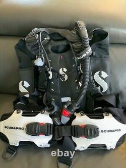 Scubapro 21730400 Buoyancy Compensator, Medium- White