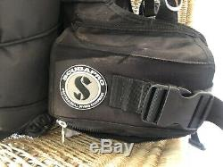 Scubapro KNIGHTHAWK SCUBA Dive BCD Size medium BC Weight Integrated New Inflator