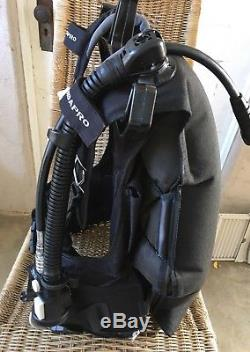 Scubapro KNIGHTHAWK Scuba BCD Medium, Air 2 Airsource Inflator Weight Integrated