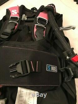 Scubapro LadyHawk BCD with Air II, Size Small great condition, Pink
