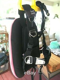 XL DIVE RITE BCD TECH SCUBA HARNESS and HOG WING, D. R. BACK PLATE, INFLATOR