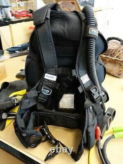 Zeagle Escape Scuba Diving BC Dive BCD Buoyancy Compensator Lg. Plus Dive Light